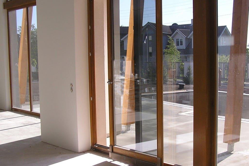 Изготовление дверей конструкций из ПВХ
